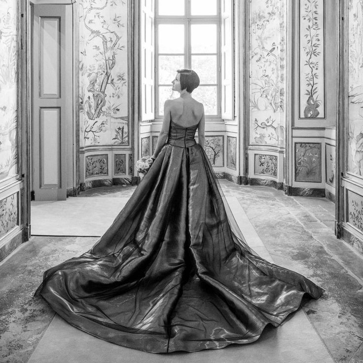 Dress: 160027 by Peter Langner  Bride: Silvia Bertero Ph: Davide Bonaiti  http://www.davidebonaiti.com/