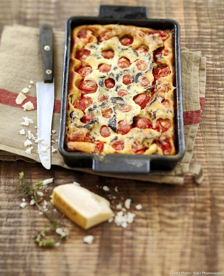 Clafoutis aux tomates cerises et olives noires - Un délicieux clafoutis salé aux légumes d'été à déguster en entrée ou à l'apéro...