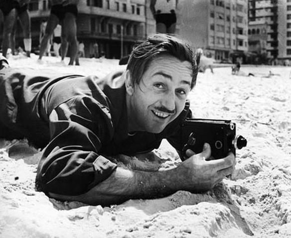 Rio de Janeiro - Brasil - Walt Disney, em Copacabana, 1941.