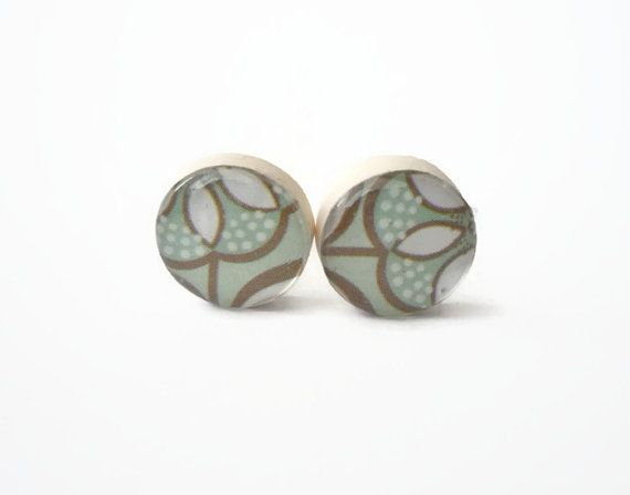 Tiny stud earrings Tiffany Blue,  flowers post earrings by treasurecreator, $12.00