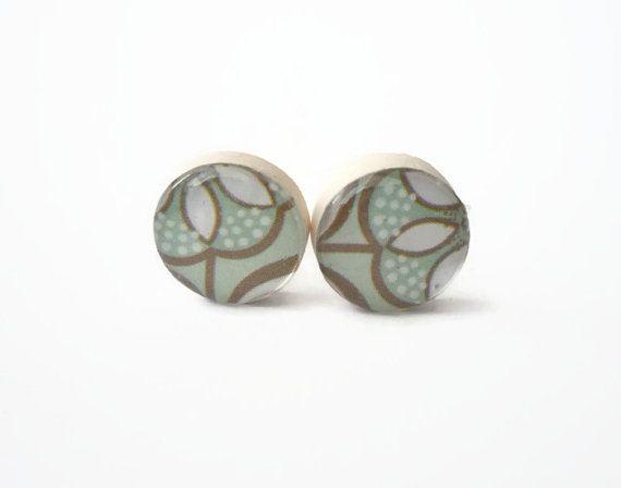 Tiny stud earrings Tiffany Blue,  flowers post earrings by treasurecreator, $12.00