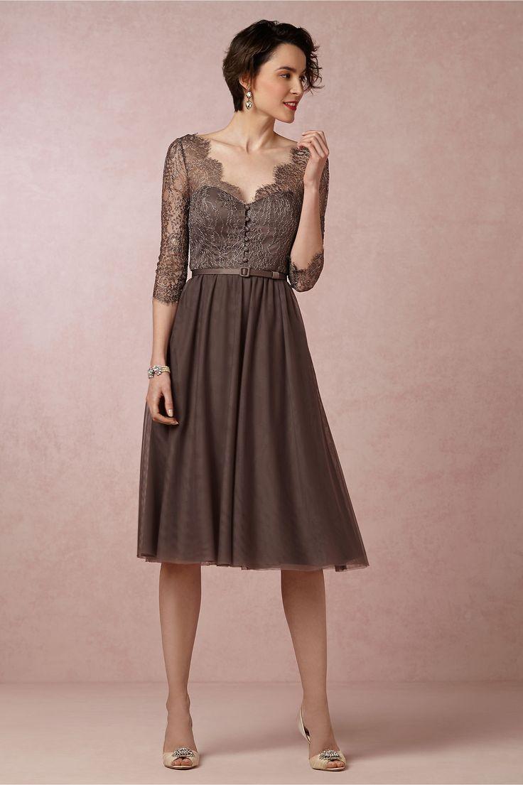 シンプルシックなドレス。結婚式にお呼ばれしたら♡女性 列席者の服装の参考一覧を集めました!