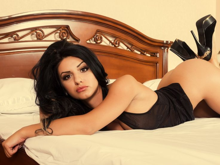 High Class is famous Kolkata Escorts Agency that offer Independent Escorts in Kolkata