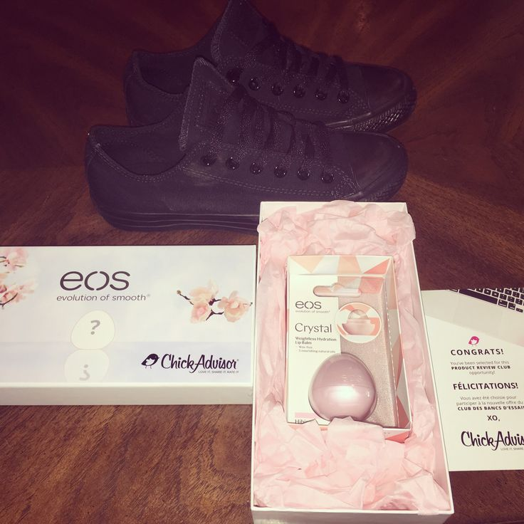 Thanks ChickAdvisor for allowing me to test out this new EOS! Perfect for the fall weather and dry lips, I'll be enjoying while wearing my fav fall accessory! My converse shoes! @chickadvisor #gotitfree #eos #tryeos