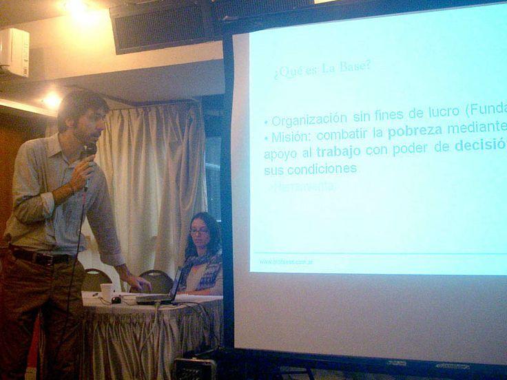Julián Massaldi, presentando a Fundación La Base