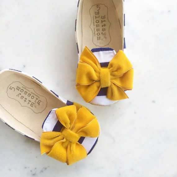Mustard Baby Shoes Toddler Shoes Girl Shoes por BitsyBlossom