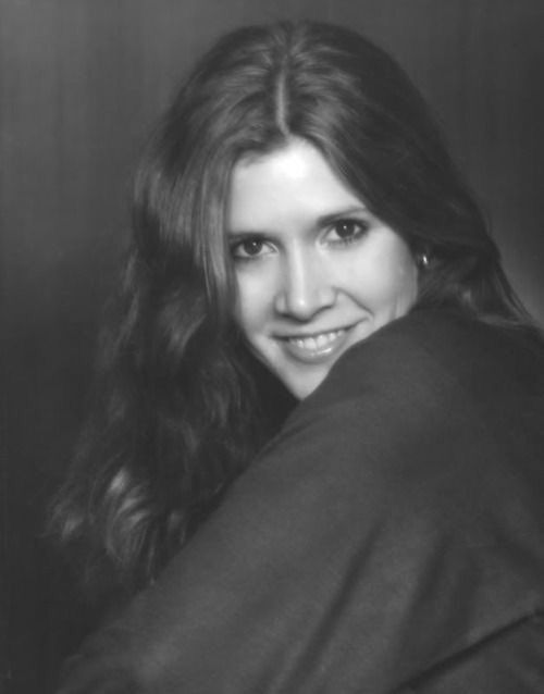 """( 2016 ) IN MEMORY OF ★ † CARRIE FISHER ) ★ † Carrie Frances Fisher - Sunday, October 21, 1956 - 5' 1"""" - Beverly Hills, Los Angeles, California, USA. Died: Tuesday, December 27, 2016 (aged of 60) at 8:55 am Pacific Standard Time, Los Angeles, California, USA. Cause of death; (Complications from cardiac arrest)."""