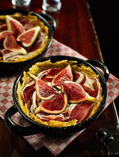 Jamón Ibérico con Higos en un Nido de Patatas  (Ibérico Ham and Figs in Potato Nests)