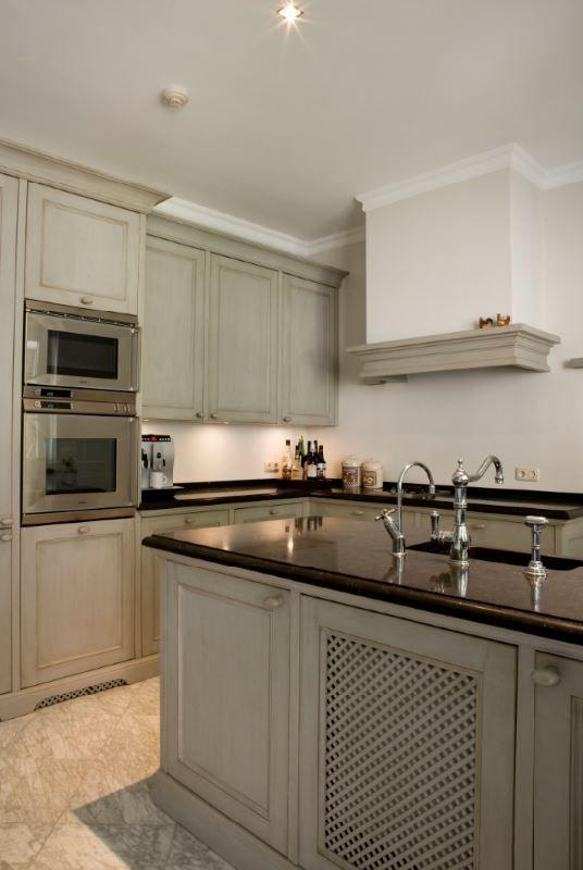25 beste idee n over klassieke keuken alleen op pinterest studio appartement keuken vintage - De klassieke keuken ...