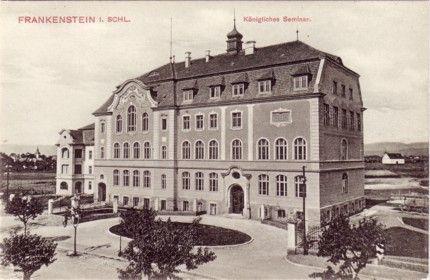 http://www.vogel-soya.de/bilder/Frankenstein/Frankenstein_Seminar.jpg