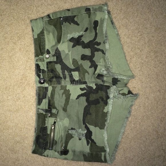 Camouflage Shorts Camouflage Shorts, in execellent condition, worn only a few times. Not too short, not too long YMI Other