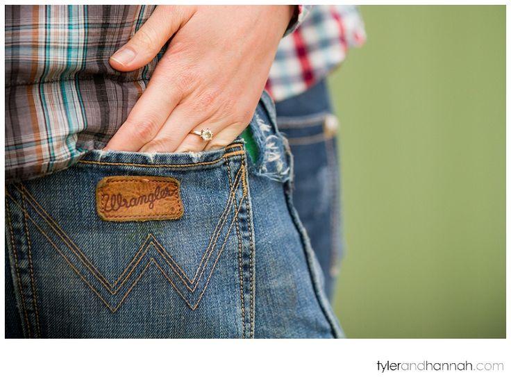 Country Engagement Ring // Rustic Farm Engagement Session // tylerandhannah.com #farmsession #engagementphoto