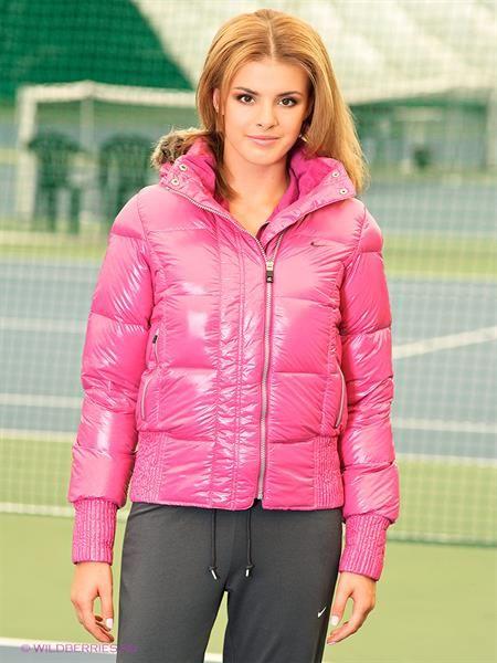 Розовая куртка найк