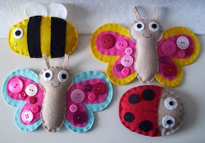 Felt-and-Button Bugs!   How cute are these?  :)
