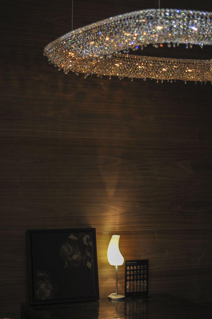 Oeno Crystal Chandelier Manooi www.manooi.com #Manooi #Chandelier #CrystalChandelier #Design #Lighting #Oeno #luxury #furniture