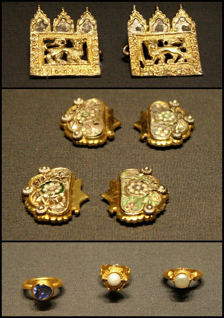 https://flic.kr/p/75uq9u | Items from the Chalcis treasure | about 1330-1470 Greece British Museum