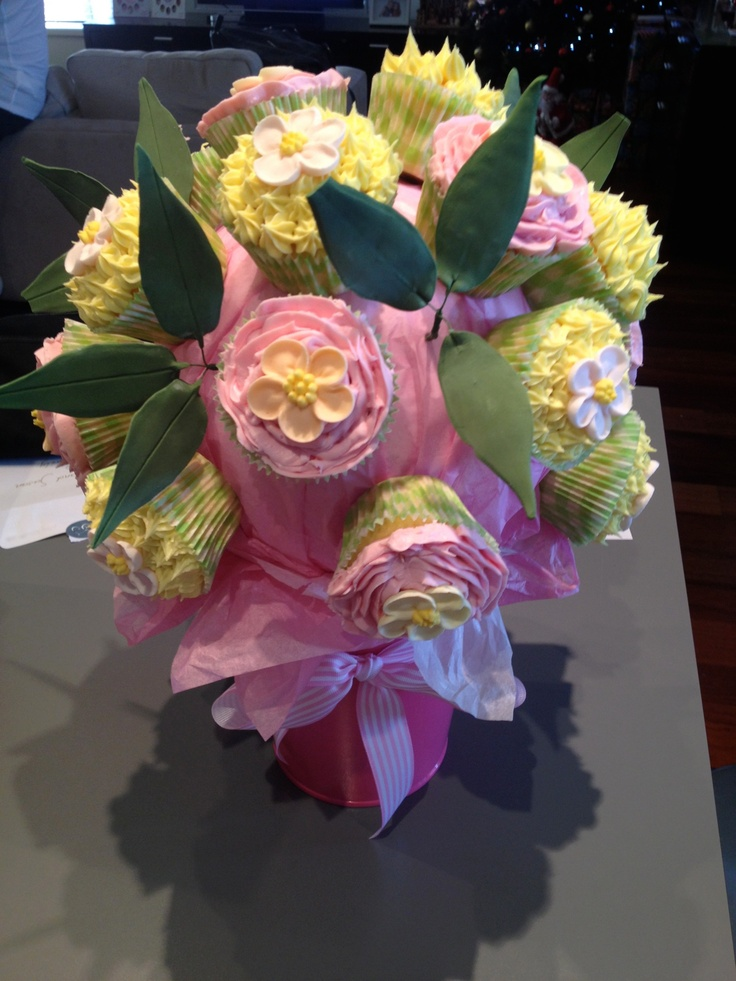 Cupcake flower bouquet, need to bake more cupcakes next time!