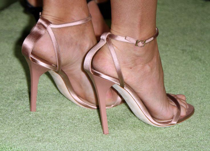 Gwyneth-Paltrow-Feet-1960241.jpg (3159×2280)