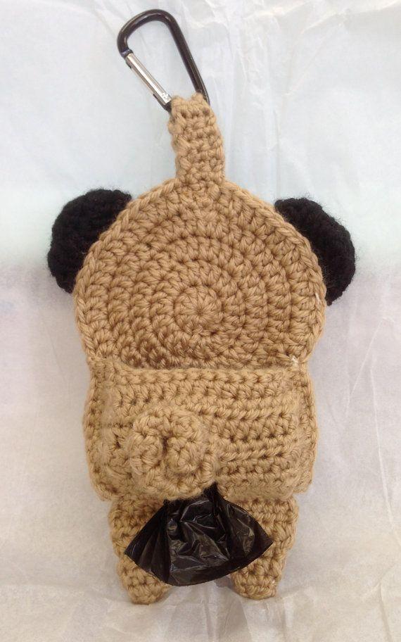 Pug Poop Bag Holder por CraftyHongSisters en Etsy