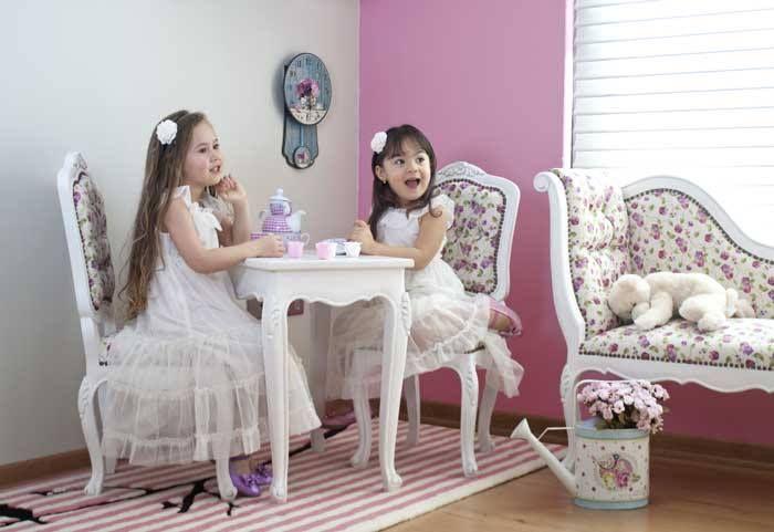 Mesa y sillas mini estilo provenzal para juego