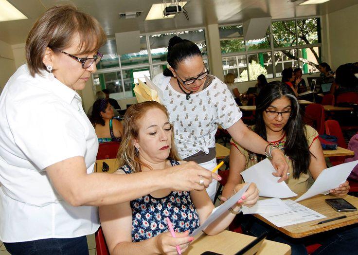 Participan en convocatoria al Servicio Profesional Docente para el COBACH