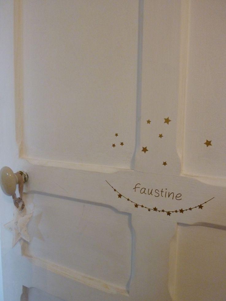 """sticker """"prénom"""" sur une guirlande d'étoiles avec nuée de petites étoiles à positionner selon l'envie : Décorations murales par du-bazar-dans-l-atelier"""