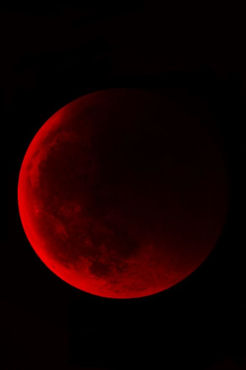 Red Moon, Lunar Eclipse on México, April 14th 15th 2014.
