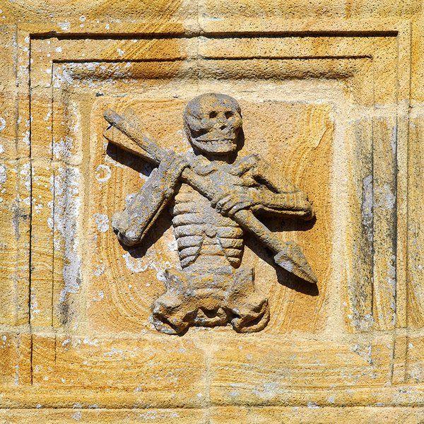 L' Ankou (figure de la Mort), ossuaire de Ploudiry