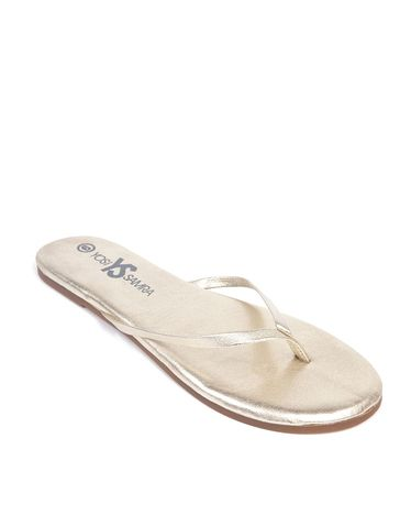 Prettiest, comfiest, classiest flip flops ever - perfect for beach weddings!