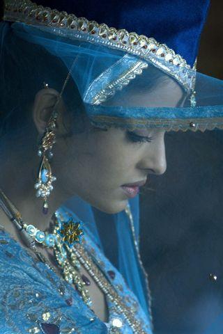 Aishwarya Rai as Umraoo Jaan