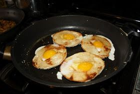 Food Fighters: Eggs in a (Bagel) Hole