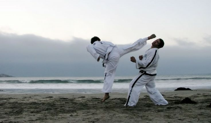 "Know when to run – Know when to run? I can hear you now, ""that's not a very martial art thing to say is it?"" – wrong, this is the most important advice any instructor can and should give. Martial arts of course are important in teaching self-defense strategies; however, one thing they are not so good at is teaching when to run. See Also: Sparring is not Fighting There are many factors which play out when a situation or confrontation takes place and one of... ...코리아바카라"