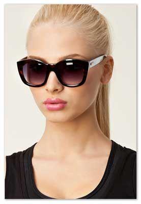 Solbriller, enkel/ klassisk. Skilpadde/mørkt stel, mørke glas! -uden næseklemme!! Runaways solbrille.