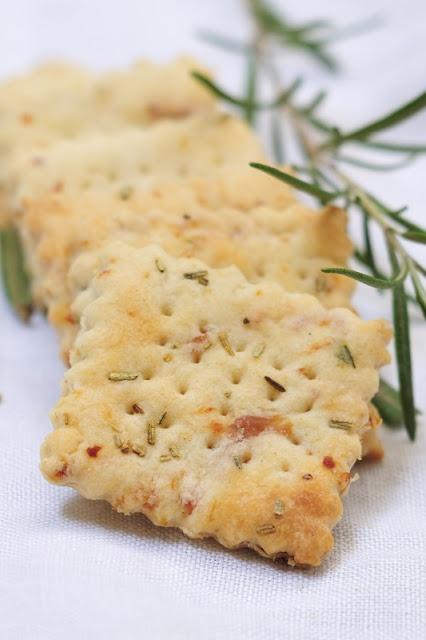 Crackers prosciutto e rosmarino