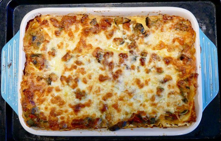Lasagne à la ratatouille - Cette lasagne est tellement bonne que vous ferez de la ratatouille à chaque deux semaines ! Un vrai régal végé.