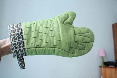 Embroidered Handmade Oven Mitt by POLLAZ