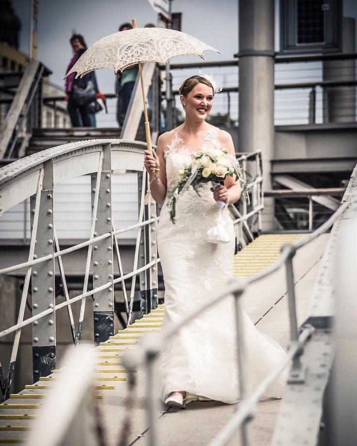 Der Moment, wenn die Braut auf ihren Bräutigam zugeht… immer wieder sehr bewegend und einfach wunderschön 😍 . . . . . #herecomesthebride #weddingphoto #weddingphotography #weddingdress #sheisbeautiful #hochzeitsfotografie #hierkommtdiebraut...