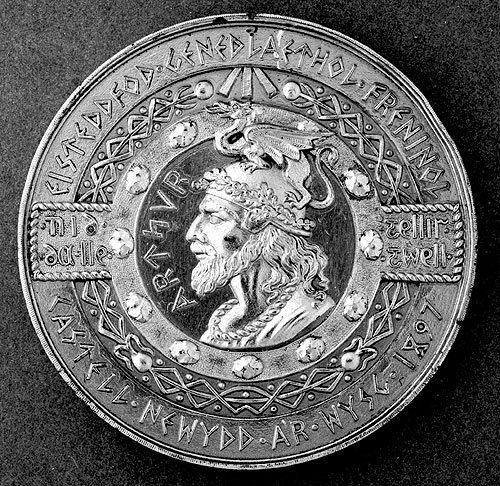 Король Артур / Arlunydd pen y garn