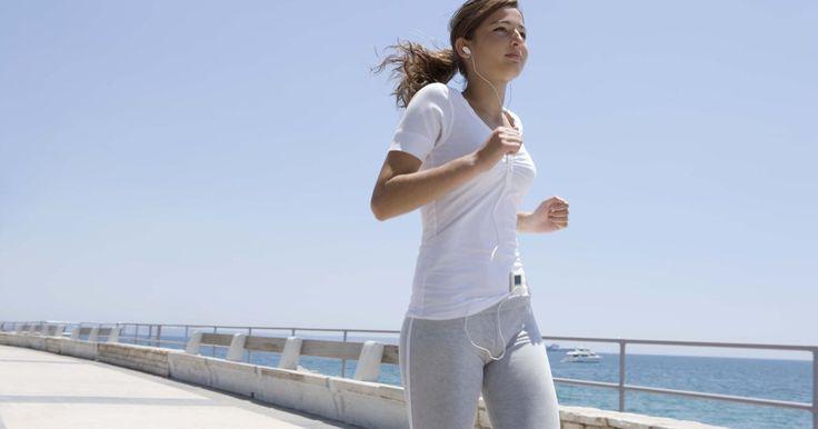 Dicas de fitness para meninas de 14 anos . Fazer exercícios é essencial para o corpo humano, e oferece inúmeros benefícios físicos e mentais. Fisicamente, o exercício mantém o corpo tonificado e saudável, previne a diabetes, doenças cardíacas e outros problemas de saúde. Mentalmente, o exercício ajuda a prevenir a ansiedade, problemas para dormir, estresse, e pode melhorar a sua ...