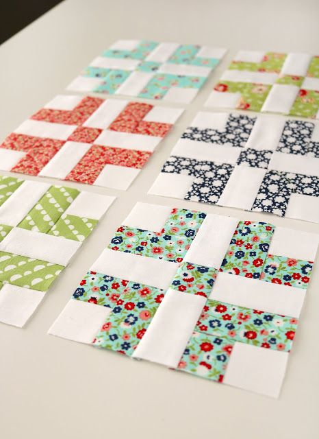 Adorable little quilt blocks with a free pattern