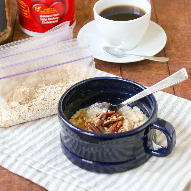 Make Your Own Instant Oatmeal Packets! But don't store them in garbagey Ziplocks - use reusable containers instead!
