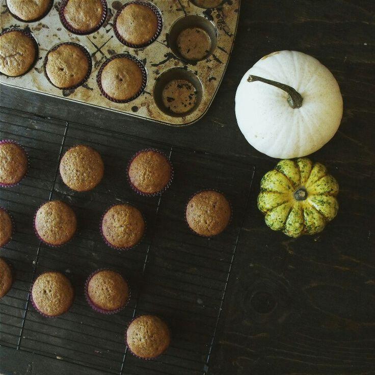 Carrot cake. Cupcakes. Autumn. Fall. Dessert. Rustic. Birch+Baker