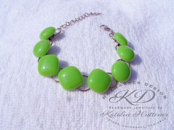SIMPLY COLOURFUL Bracelet by Katha - CHOOSE Your Colour - Fused Glass Bracelet with Rhodium Plated Wire, Retro Bracelet