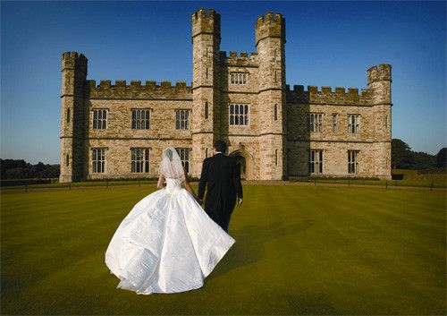 Described by many as the loveliest castle in the world, this is a dream wedding venue. Leeds Castle Wedding Venue
