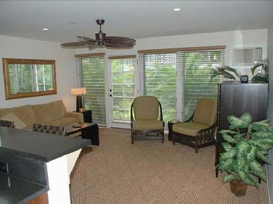 Aina Nalu Resort #H1404108 Beautiful Lahaina Condo | Maui Hawaii Vacations Living Room with A/C and Queen Sleeper Sofa