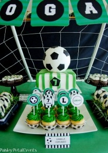 Paisley Petal Events soccer party cake & cupcakes