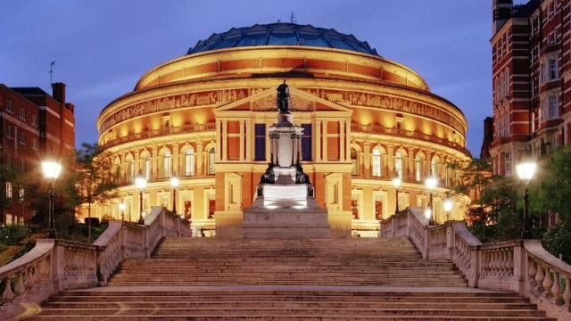 Take photos of the interesting architecture around the Royal Albert Hall and Imperial College.