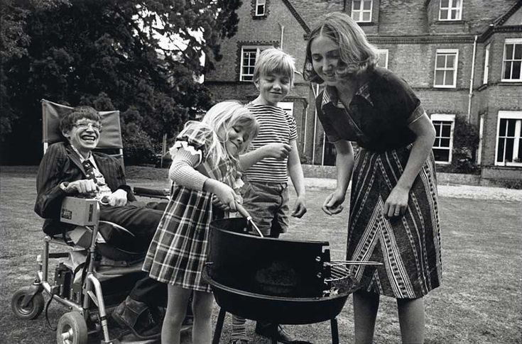 Stephen Hawking having a barbecue with his then-wife Jane Wilde Hawking and his kids Robert and Lucy, 1977 ♥ Visit my celebrity site at http://www.celebritysizes.com/ ♥