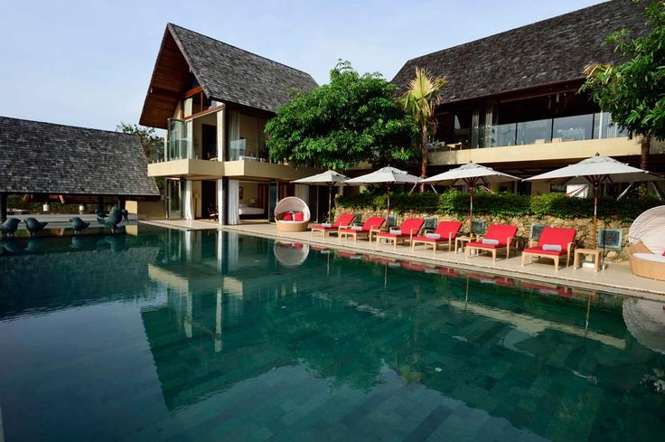 verlooking phenomenal views of Villa Avasara is a luxury pool villa rental in Koh Samui, with striking and creative architecture that creates tranquility, seclusion, and relaxation.