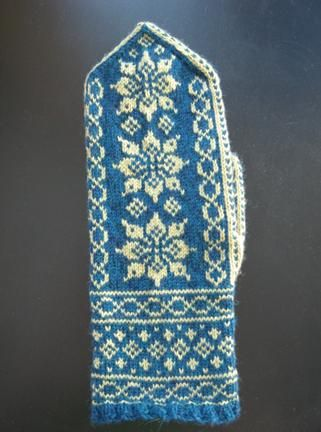 free pattern  Classic Nordic color ~ Classic mitten